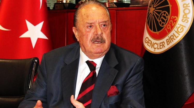 Türk futbolunun efsane başkanı: İlhan Cavcav