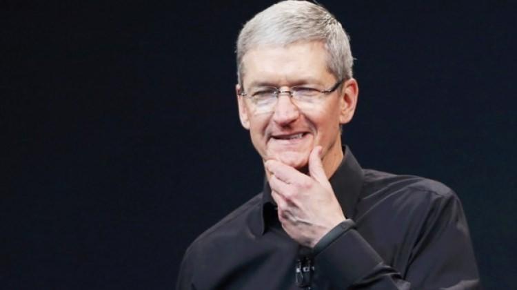Apple'ın CEO'su Tim Cook o iddiaları yalanladı