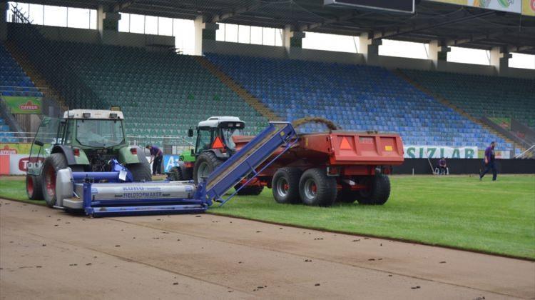 Çaykur Didi Stadı'nın zemini hibrit çime dönüştürülüyor