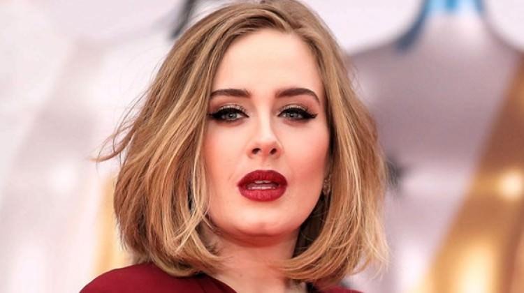 Adele hayranlarından özür diledi