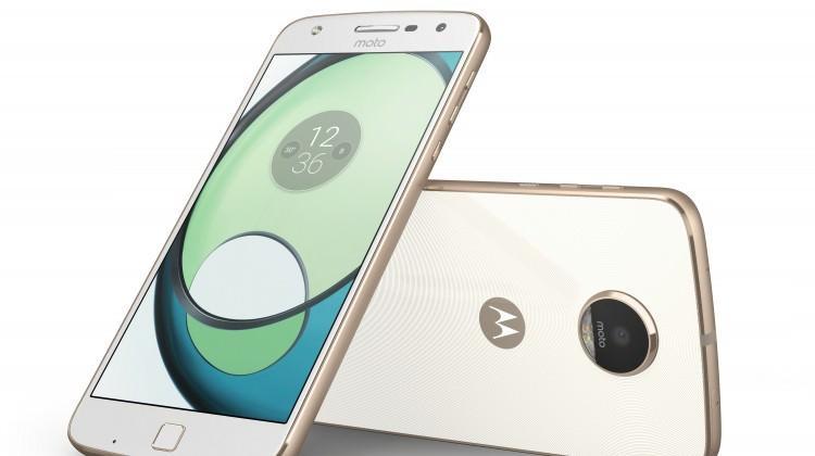 Motorola modüler telefonla döndü