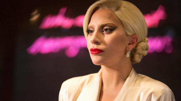 Lady Gaga Suriye'deki savaş mağdurları için dua istedi