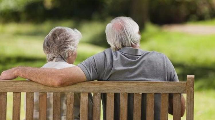 Emekliler de masaya oturacak
