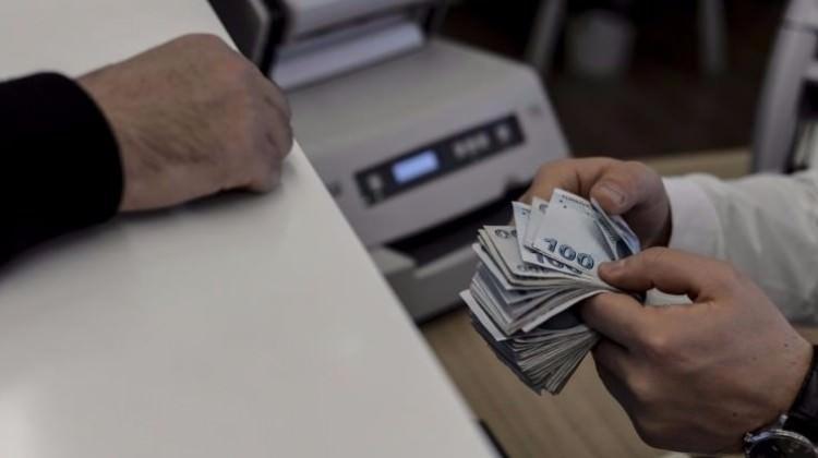 Bankalardan faiz indirimleri peş peşe geldi