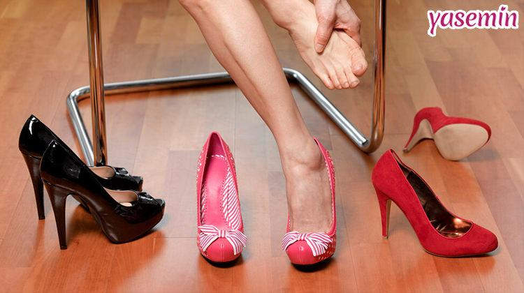 Topuklu ayakkabıyı acısız giymenin en kolay yolu