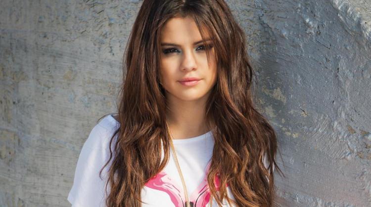 Selena Gomez'in rakibi bakım kim oldu?