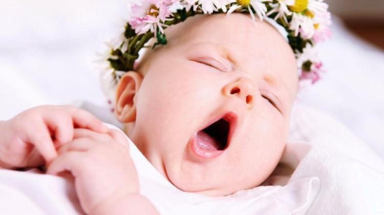 Uyurken sık sık gözlerini kırpıştırıyorsa...