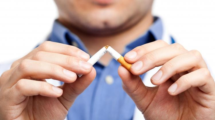 Sigarayı bırakana 1 yıl ücretsiz yemek