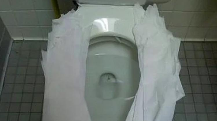 Tuvalet kağıdını sakın böyle kullanmayın!