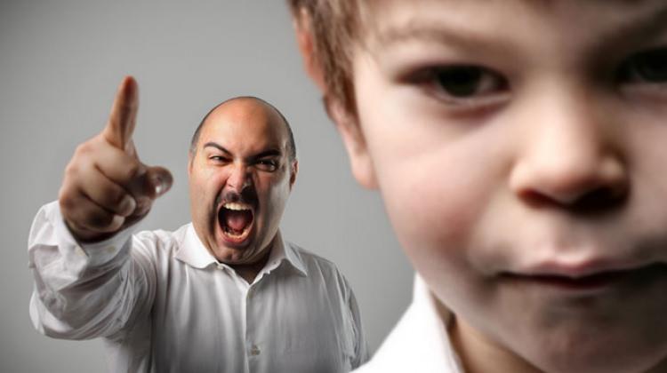 Çocuğunuzu sakın karneyle korkutmayın!