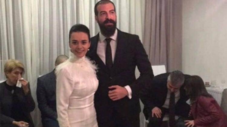 Hande Soral İsmail Demirci çifti nişanlandı