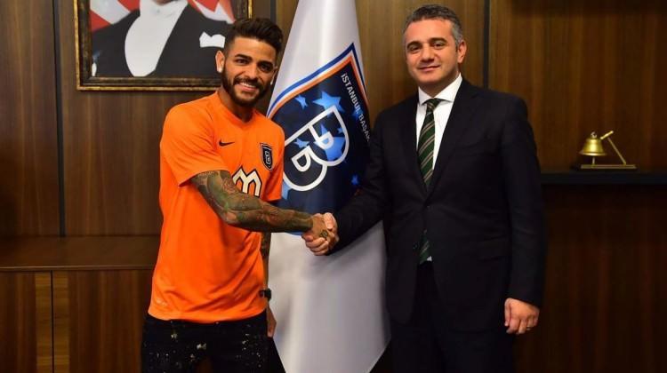 Başakşehir yeni transferi resmen açıkladı!