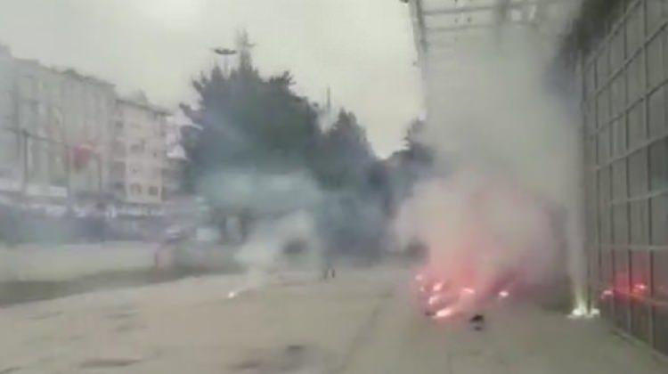 İstanbul'da belediye binasına saldırı!