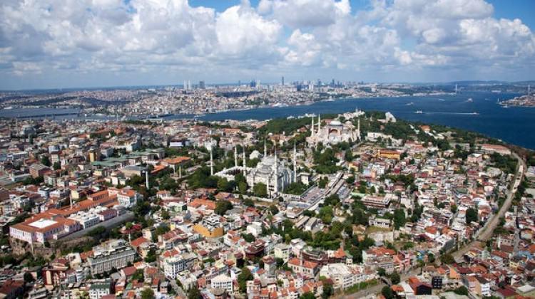 Gurbetçiler Türkiye'den ev alıyor