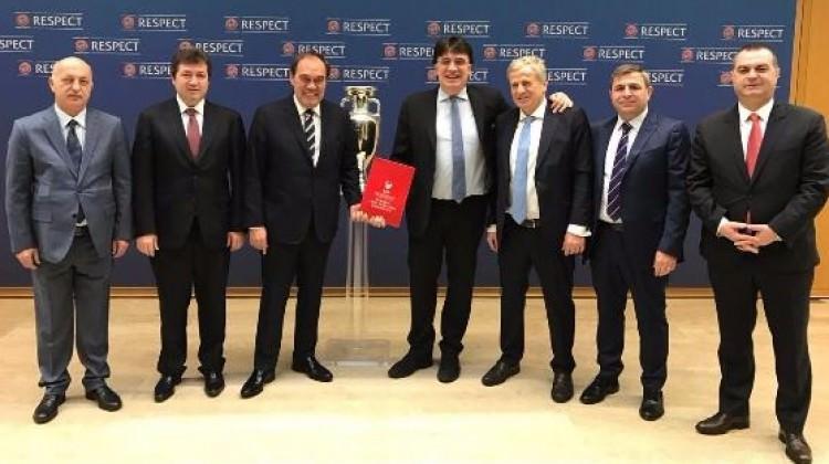 Türkiye, EURO2024'e resmen aday!