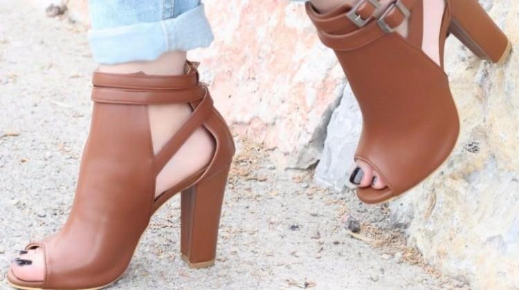 Topuklu ayakkabılar insan anatomisini bozuyor!