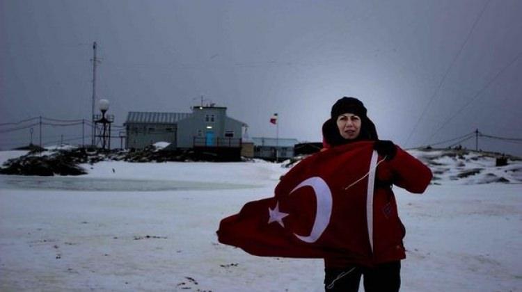 Türk bilim kadınlarının Antartika'da çıkarması