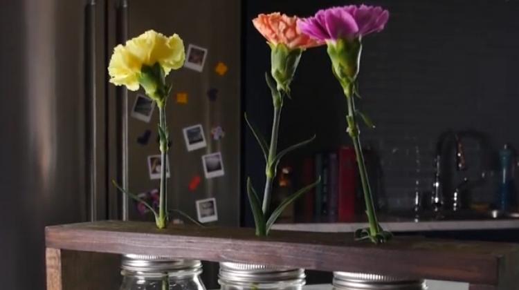 Çiçekleriniz için muhteşem bir köşe hazırlayın