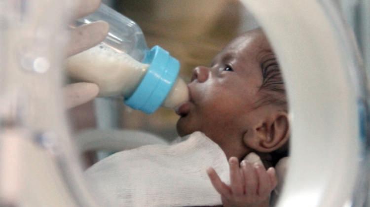 Yaşamını yitiren annenin sütü bebeğine hayat verdi