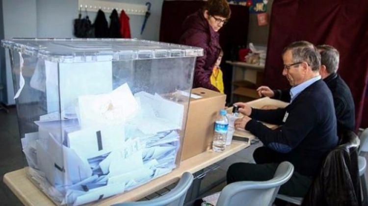 Bulgaristan'da 5 parti parlamentoya girdi!