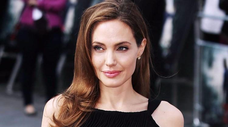 Angelina Jolie yeni evi için servet ödeyecek