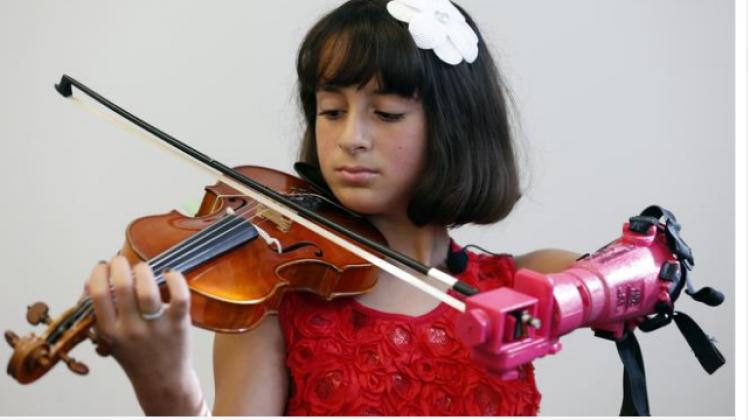 Küçük kızın hayalleri 3D yazıcı ile gerçek oldu