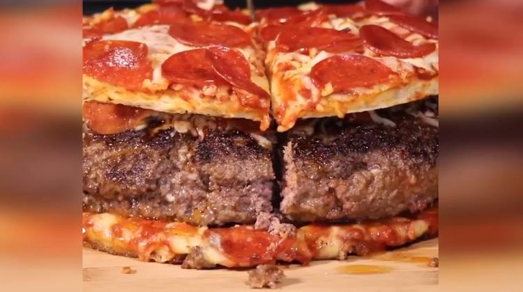 Tek öğünde dev lezzet: Pizza hamburger!