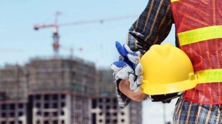 İstihdam, çalışılan saat ve maaş azaldı