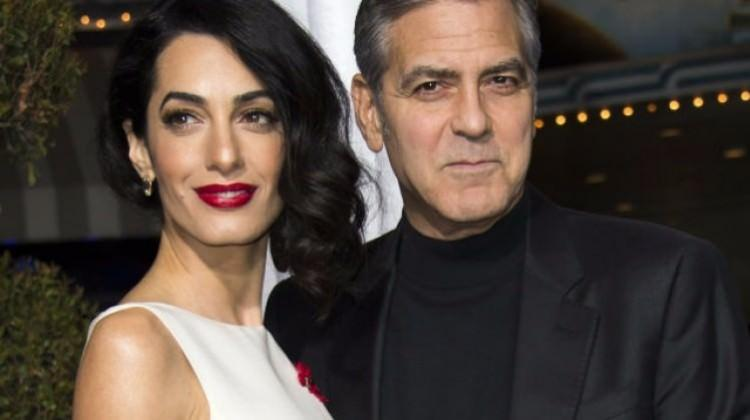 George Clooney ikiz bebek babası oldu