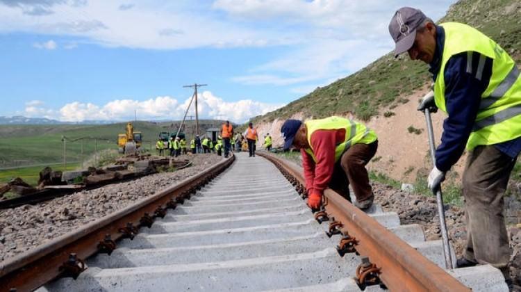 Bakü-Tiflis-Kars Demiryolu Hattı bu ay açılıyor