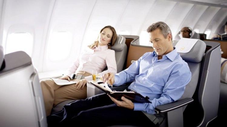 Uçak yolculuğunuz omurganıza zarar vermesin