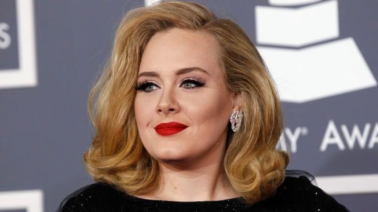 Adele'den hayranlarına kötü haber!