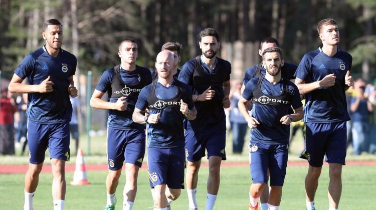 Fenerbahçe, Topuk Yaylası'nda çalıştı