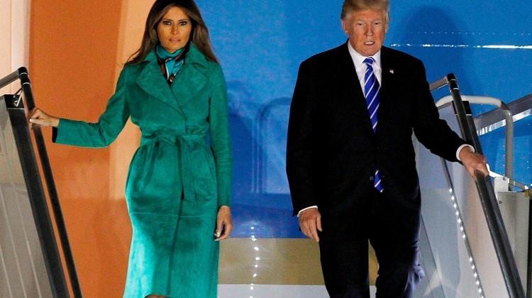 Melania Trump 9 bin TL'lik ceketiyle dikkat çekti