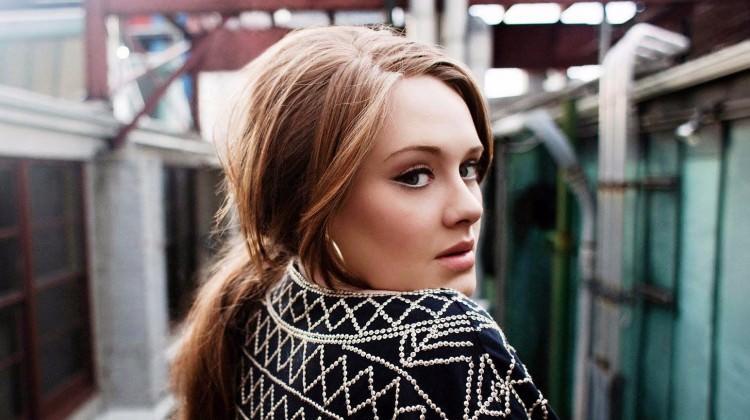 Adele artık konuşmuyor!