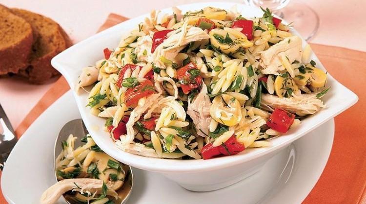 Salata dediğin hafif olmalı ve doyurmalı!