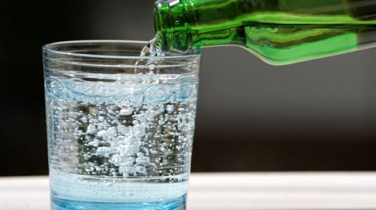 Günde en az iki şişe maden suyu tüketin!