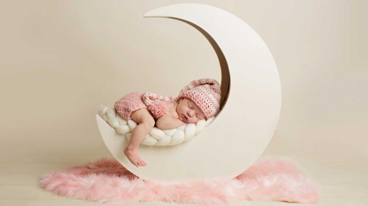 Bebeklerde uyku gelişimi nasıl ilerler?