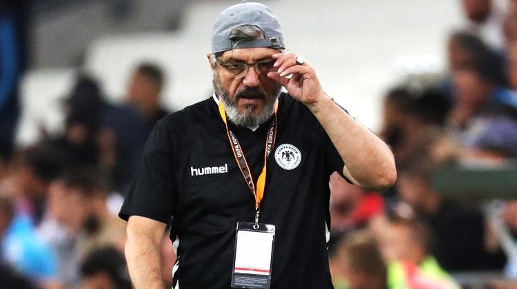 Mustafa Reşit Akçay sürpriz! Yeni adresi...