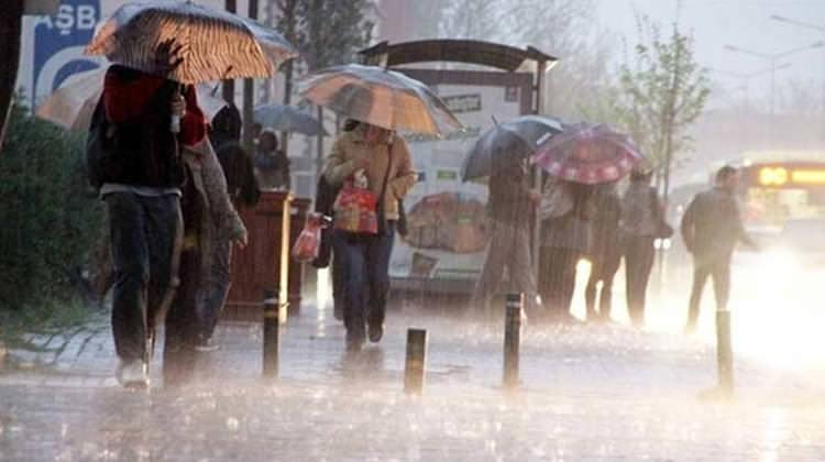 Meteoroloji uyardı: Sıcaklıklar düşüyor, yağış geliyor!