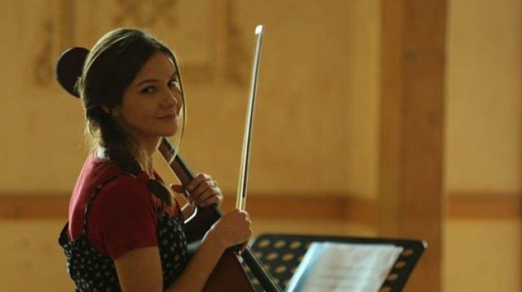 Alina Boz'dan sürpriz viyolonsel sürprizi