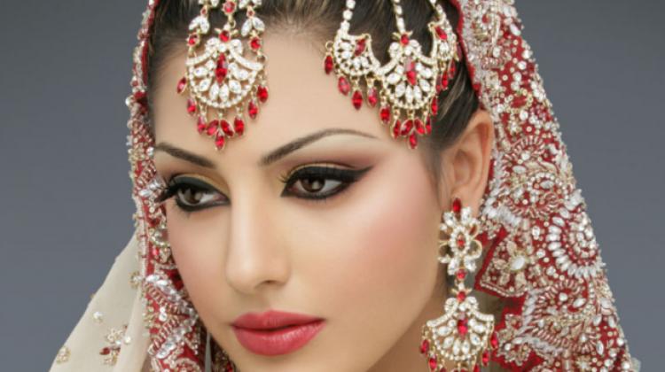 Hintli kadınlar nasıl giyiniyor?