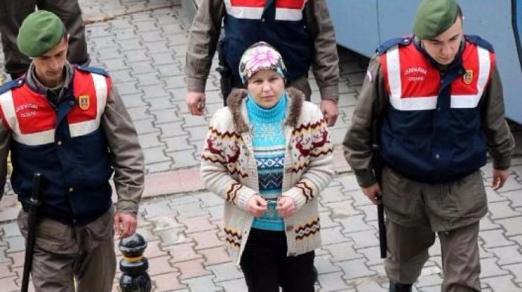 Tacizcisini öldüren kadının cezası bozuldu
