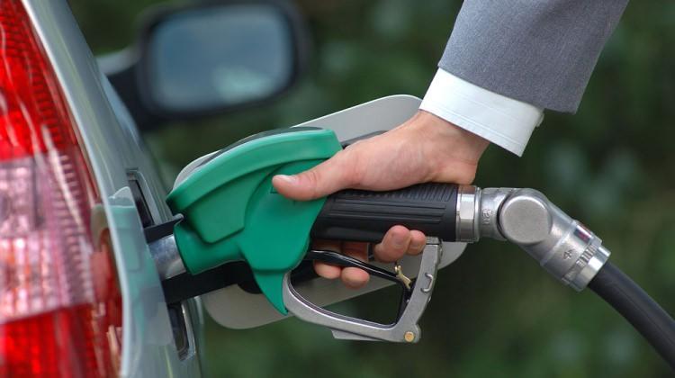 Benzine zam geldi! Zamlı benzin fiyatları...