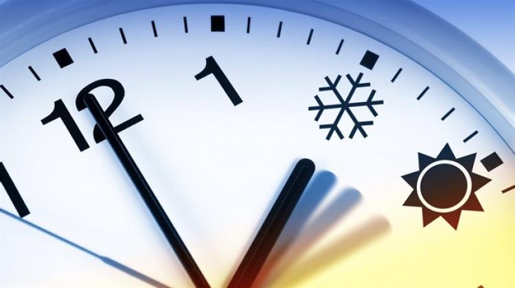 Sürekli yaz saati uygulaması değişiyor! İşte, saatlerin geri alınacağı tarih...