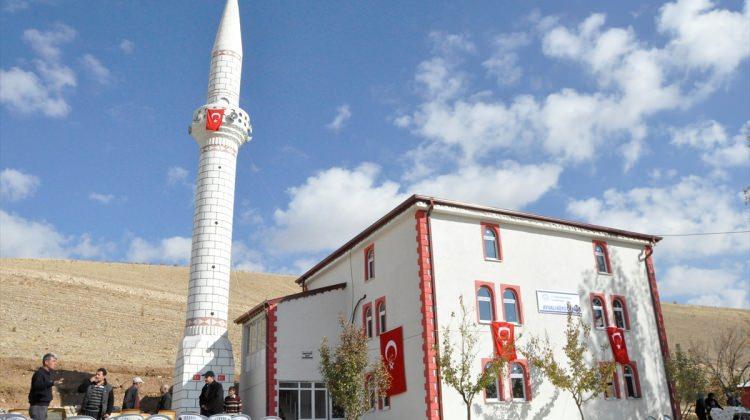 Vali Gül, Gürün'de cami açılışına katıldı