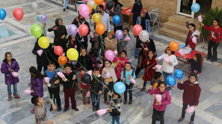 Gaziantep'te Suriyeli yetimler için balon şenliği