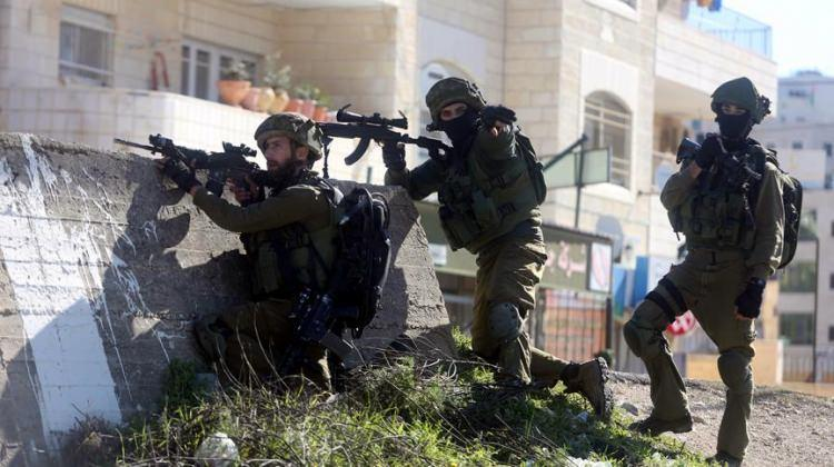 İsrail ordusu bir Filistin beldesini kuşattı