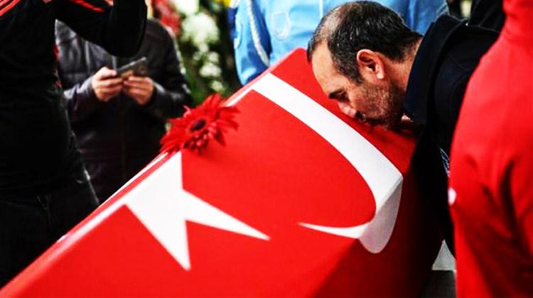 Yunanistan'da gündem! Leonidis Türk Bayrağına...