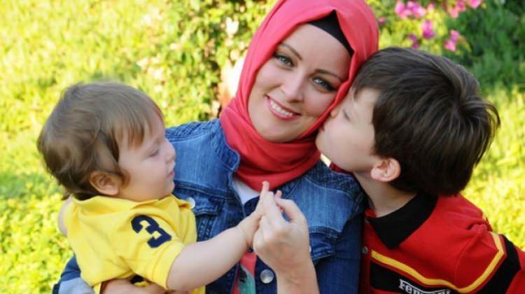 Hatice Kübra Tongar 'Bağırmayan Anneler'i anlattı